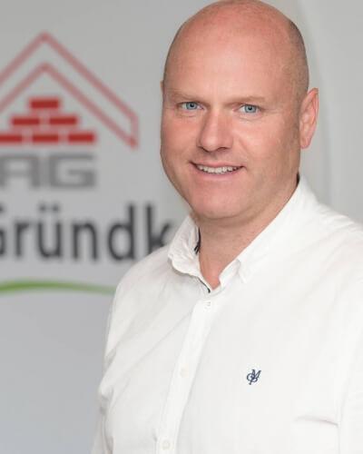 https://bauunternehmen-gruendker.de/wp/wp-content/uploads/2018/03/1.-M.-Schöne_400x500_acf_cropped.jpg